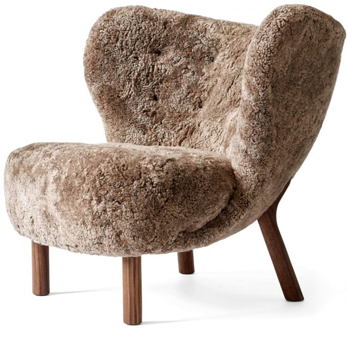 Little Petra Sessel Lounge Chair Ohrensessel Schaffell Sahara Gestell Walnuss Andtradition Viggo Boesen Tagwerc